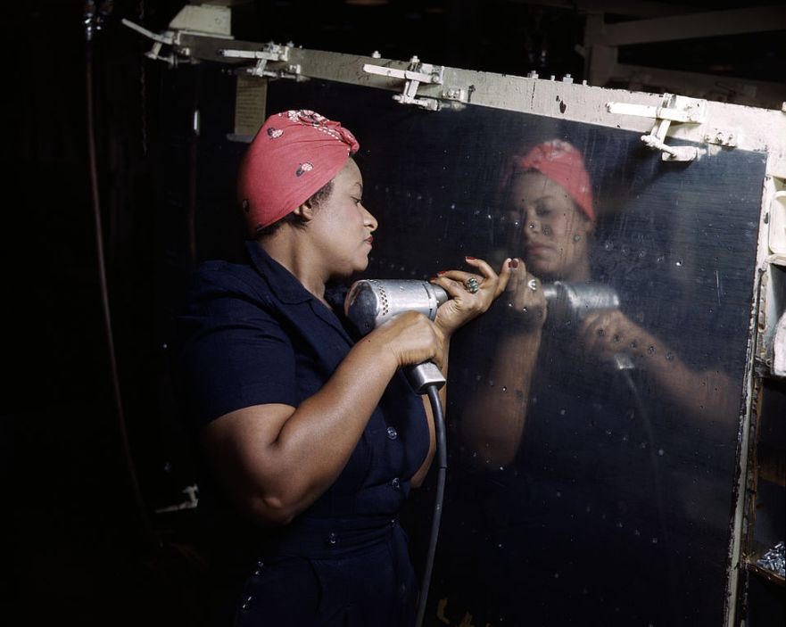 962px-Rosie_the_Riveter_(Vultee)_DS