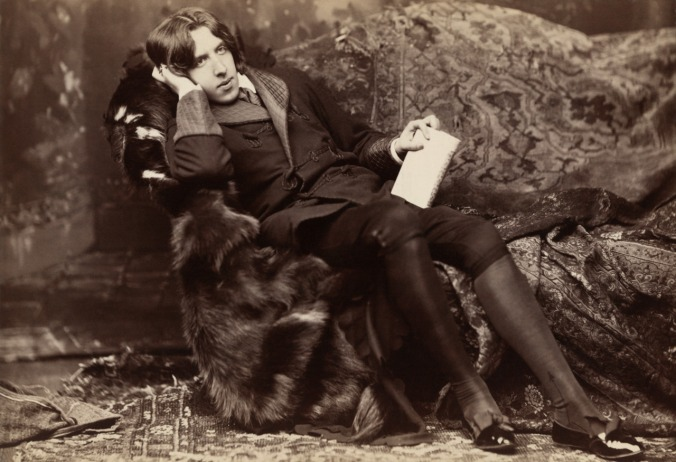 Oscar Wilde a New York, 1882, fotografia di Napoleon Sarony