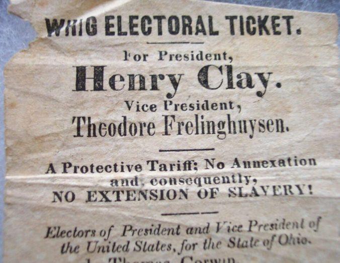 1. Partito Whig, 1844. All'inizio le schede erano stampate direttamente dai partiti, ciascuno stampava la sua. L'elettore la consegnava direttamente allo scrutatore; così facendo votava tutta la lista di partito, secca. C'erano i nomi dei candidati presidenti e anche dei grandi elettori. C'erano anche parole d'ordine programmatiche.