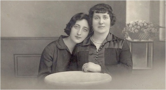 "Eva_Kotchever_(""Eve_Addams"")_on_right_with_an_unidentified_woman"